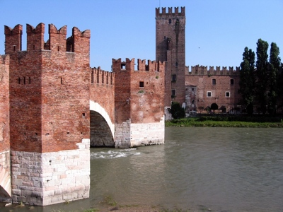 Foto Verona: Castelvecchio and Dalla Scala Bridge