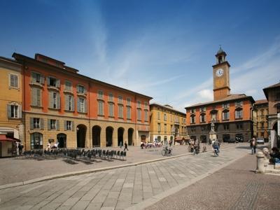 Foto reggio emilia prampolini square