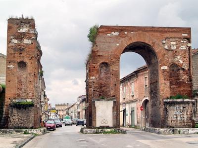 Foto Santa Maria Capua Vetere: Hadrian's Arch