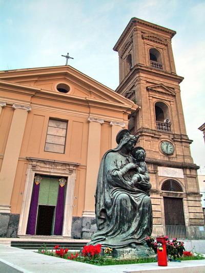 Foto giugliano in campania st nicholas church for Arredi parigini giugliano in campania