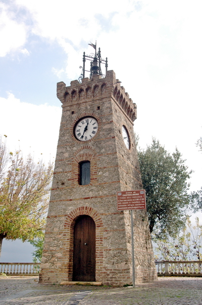 Foto Castrolibero: Clock Tower