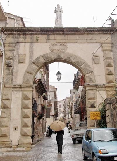 Foto Fuscaldo: Gate of the Cross